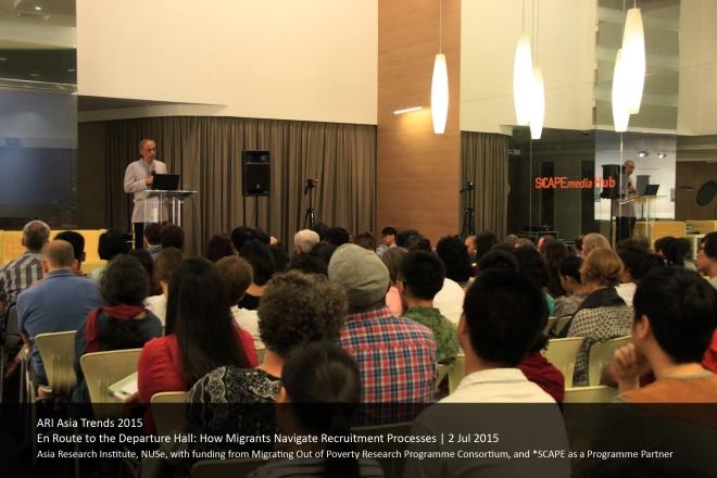 Dr. Manolo Abella addresses the crowd.